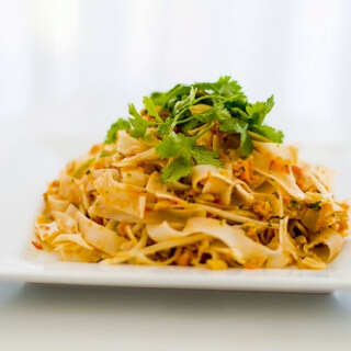 Guest Recipe: The 4 Blades Quick Pad Thai for Simple Meal Sunday
