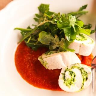 skinnymixer's Spinach & Ricotta Chicken Roulade