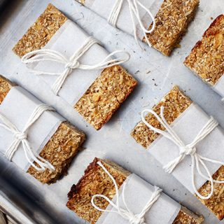 skinnymixer's Apple Pie Oat Bars
